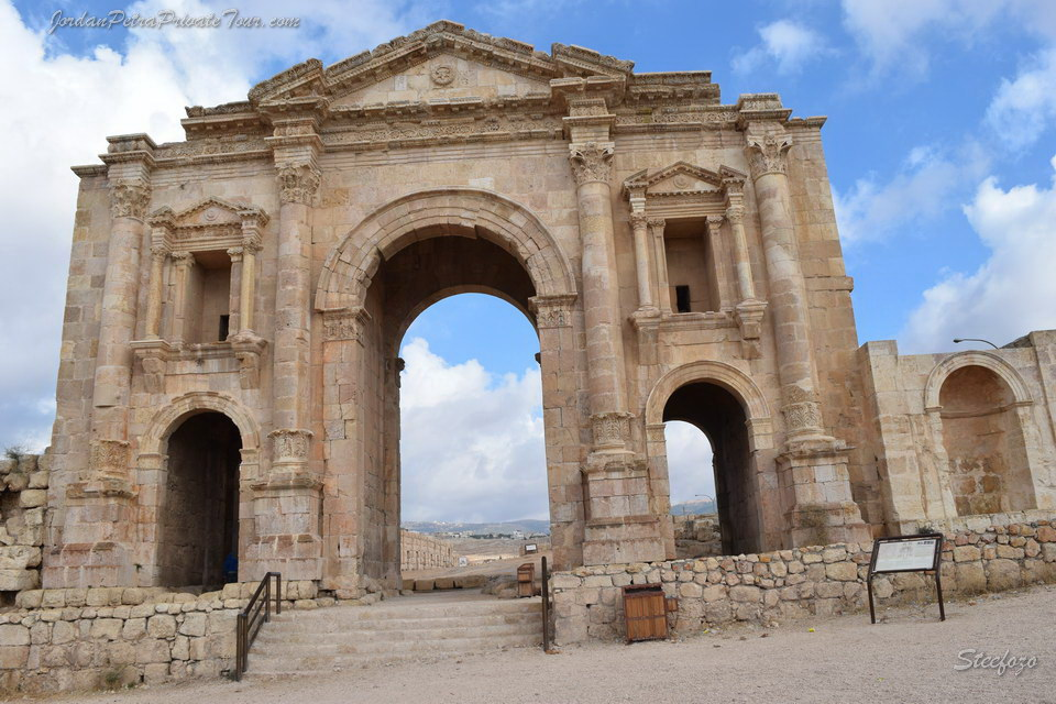jerash day trip photo 1 20170420 1917146949