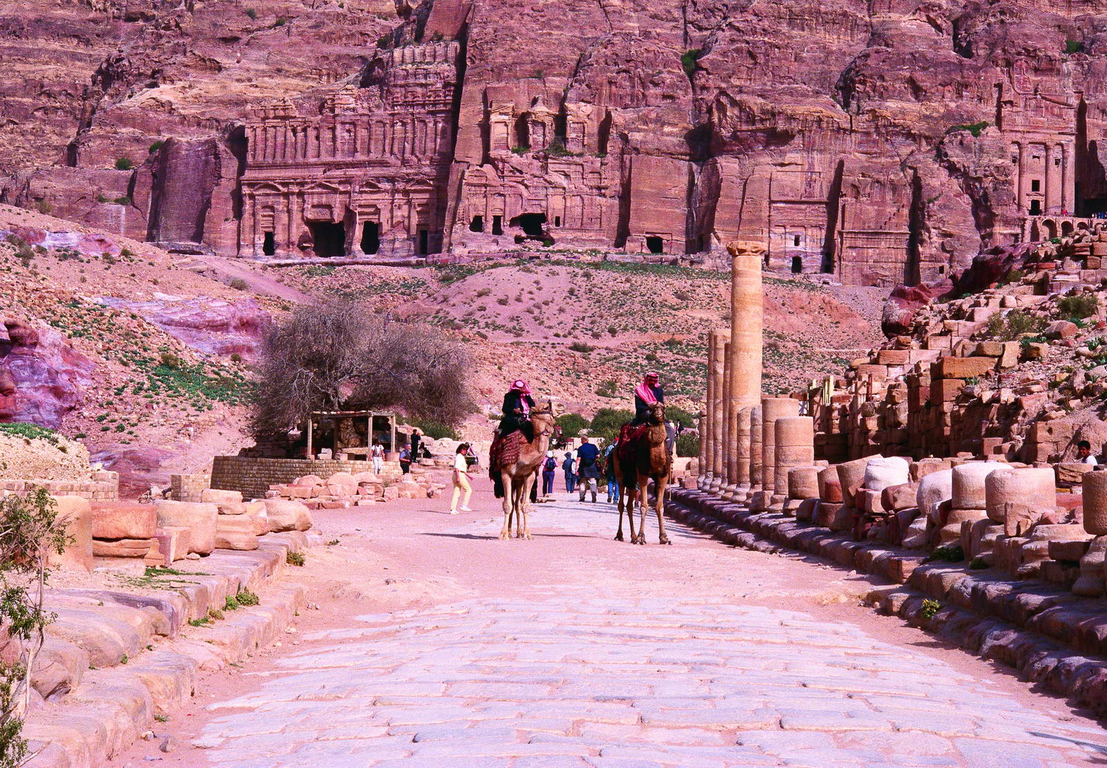 jordan tours petra colonnaded street 110 20170420 1467384196