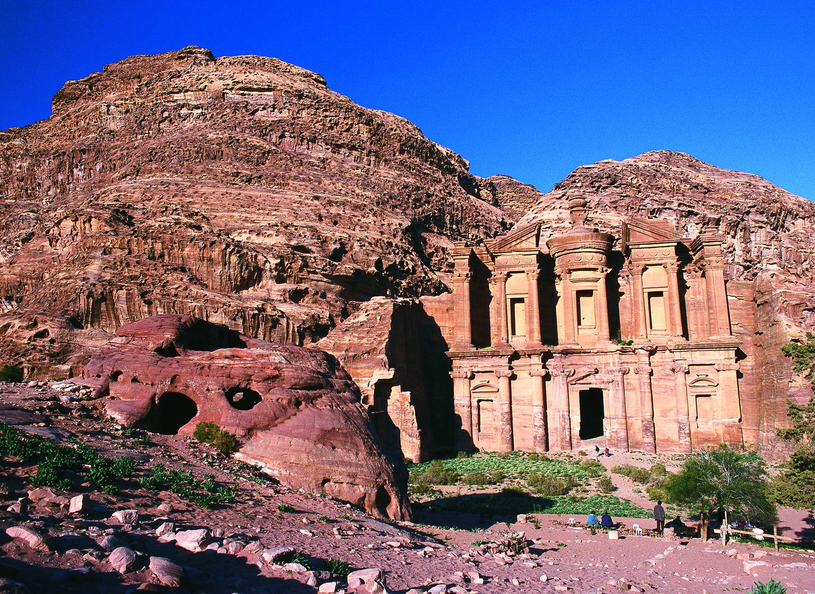 'Four More Petra Hotels to Benefit from Energy-Saving Project'