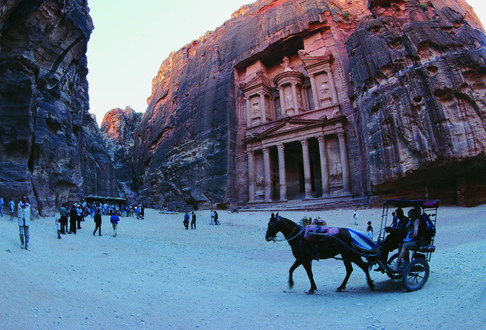 jordan tours petra treasury 435 20170420 2043384016